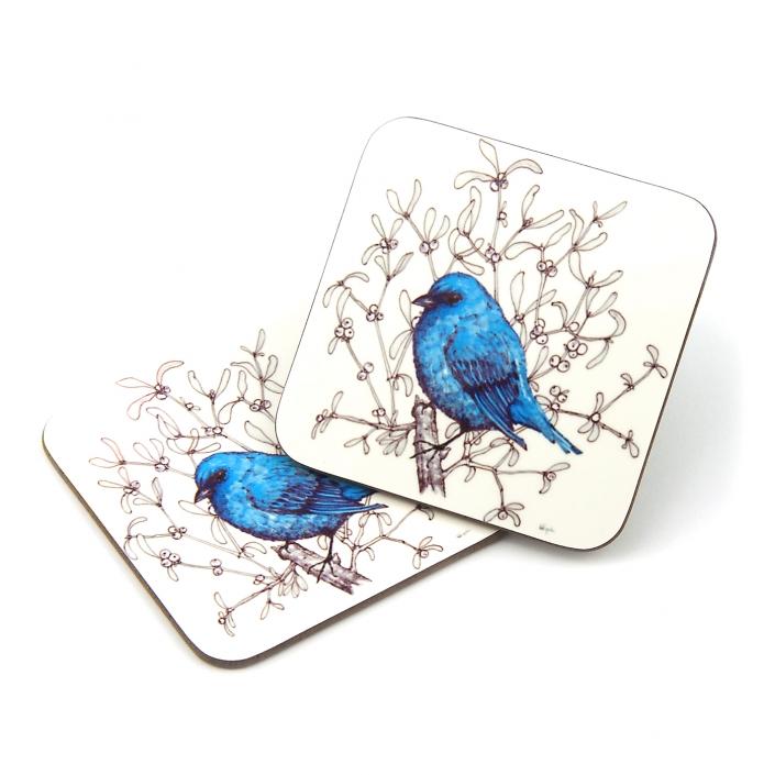 Zdjęcie produktu dwie podkładki korkowe pod szklanki z wizerunkiem niebieskiego ptaka siedzącego na gałązce