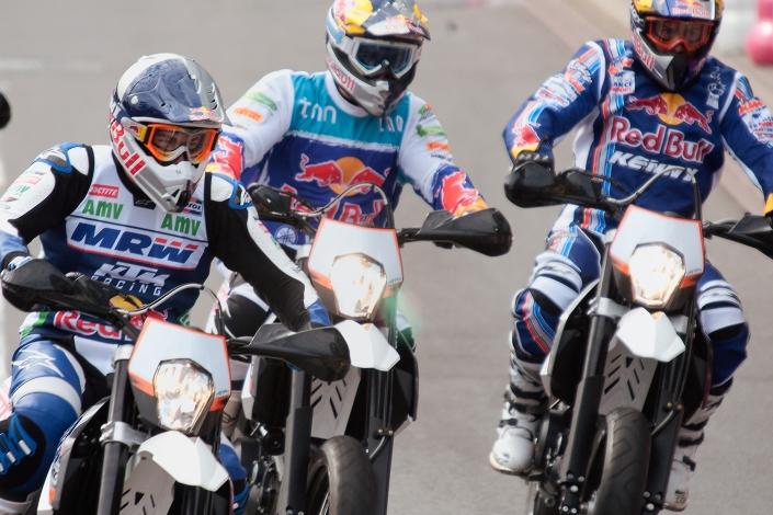 Fotografia sportowa - motocyklowe zawody sportowe