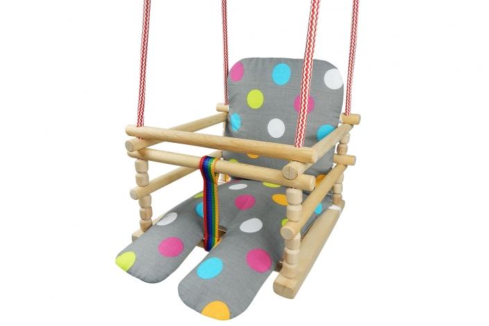 Wyszparowanie-wycięcie huśtawki dziecięcej, poprawa kolorystyki, kontrastu, ekspozycji i kształtu, osadzenie na białym tle